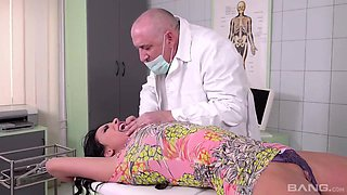 video titel: Anissa Kate Fucked By A Kinky Old Doctor || porn tgas: doctor,fuck,kinky,old and young,txxx
