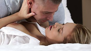 video titel: Romantic sex is a perfect idea for couple to show their feelings || porn tgas: bed,blonde,blowjob,couple,sexvid