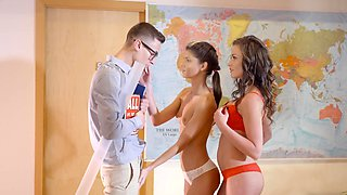 video titel: Nerdy teacher fucks cute student and her lusty stepmom || porn tgas: 3some,blonde,brunette,cute,sexvid