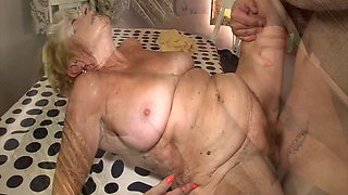 video titel: Horny granny fucked by her stepson || porn tgas: big tits,fuck,granny,hairy,xhamster