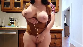video titel: Milf with unbelivably huge ass stuck in the kitchen sink! || porn tgas: huge ass,kitchen,milf,xxxdan