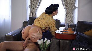 video titel: Big ass and tits wife Jennifer Mendez loves having doggystyle sex || porn tgas: big ass,doggy,love,old man,anyporn