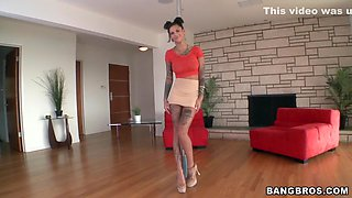 video titel: All tattooed Bonnie Rotten posing || porn tgas: brunette,couple,high definition,posing,