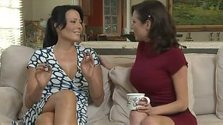 video titel: Mother Id Like To Fuck, and her Lesbo ally    porn tgas: fuck,housewife,lesbian,mom,hotmovs