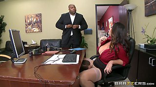 video titel: Chubby MILF in pantyhose gets licked and fucked in the office || porn tgas: chubby,fuck,office,pantyhose,bravotube