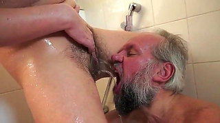 video titel: Piss in mouth || porn tgas: mouth,peeing,xhamster