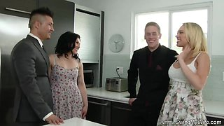 video titel: Housewife Attempts Anal Swinging || porn tgas: anal,high definition,housewife,milf,xhamster