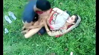 video titel: Indian MILF on green grass in outdoor sex || porn tgas: indian,outdoor,xhamster