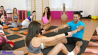 video titel: FitnessRooms Hot teens get fucked with big cock in gym threesome || porn tgas: 3some,beautiful,big cock,fitness,gotporn