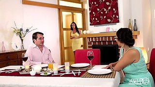 video titel: Ordinary couple share a dinner and a bed like lovers || porn tgas: babe,bed,big ass,big cock,xxxdan