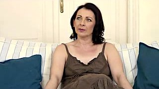 video titel: Hirsute Aged Little Mambos    porn tgas: aged,brunette,casting,cougar,upornia