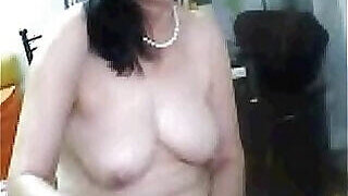 video titel: Saggy boobs mature gets freaky for the cam || porn tgas: asian,boobs,camshow,freak,PornoSex