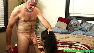 video titel: Masseuse babe pussyfucked by older guy || porn tgas: amateur,babe,beautiful,gay,gotporn