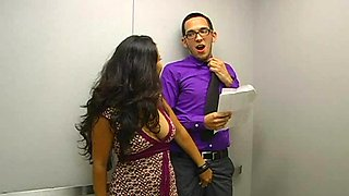 video titel: Quick Elevator Sex With A Smoking Hot Asian Babe || porn tgas: asian,babe,big tits,brunette,bravotube
