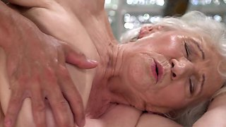 video titel: A nasty old granny is fucked on the side by a dude really hard || porn tgas: big tits,blowjob,cumshots,dude,avideos