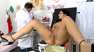 video titel: Brunette doctor gaping with cumshot || porn tgas: brunette,cumshots,doctor,gaping,hotmovs