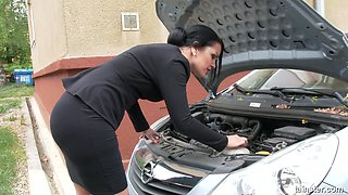 video titel: Rich lady Cartoon Candy goes wild in the glory hole room    porn tgas: ass,brunette,car,cartoons,anysex