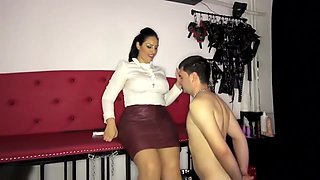 video titel: stunning domina E plays with inferior male toy || porn tgas: babe,brunette,czech,european,