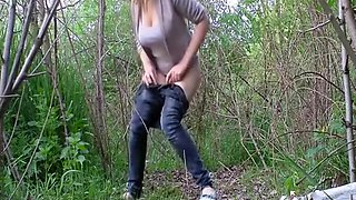 video titel: Big tits girl in tight jeans peeing outdoors || porn tgas: big tits,girl,outdoor,peeing,voyeurhit