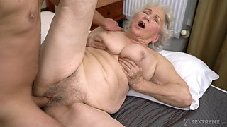 video titel: Emotional chubby mature whore Norma B gets hairy pussy licked and fucked || porn tgas: chubby,fuck,hairy,whores,xcafe