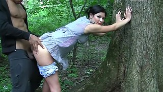 video titel: A sexy teen is outside with a guy and is fucking in the forest || porn tgas: 3some,big tits,blowjob,brunette,avideos