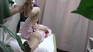 video titel: Real spy cam porn with full titted girl fucked by masseur || porn tgas: fuck,girl,hidden,massage,upornia
