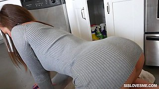 video titel: sibling sex on the kitchen floor || porn tgas: babe,blowjob,brunette,kitchen,flyflv