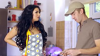 video titel: BUSTY HOUSEWIFE IS FUCKING A DELIVERY GUY SHOW || porn tgas: busty,fuck,gay,housewife,hotmovs