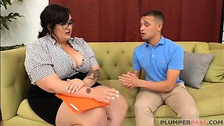 video titel: Busty Teacher Curvy Quinn Fucks Her Failing Student || porn tgas: busty,curvy,fuck,students,viptube