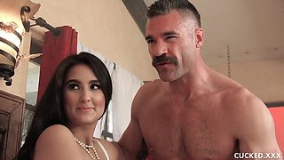 video titel: Eliza Ibarra is spreading up wide for her married lover and his rock hard meat stick || porn tgas: bride,brunette,cuckold,hairy,videotxxx