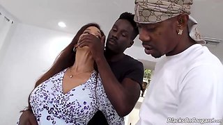 video titel: Amazing mature woman and some black guys are having group sex in her huge bedroom || porn tgas: amazing,anal,bed,big tits,upornia
