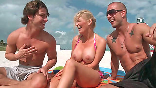 video titel: Blonde Ingrid Swenson with big melons get double fucked    porn tgas: 3some,beach,big tits,blonde,sexvid