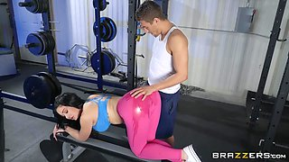video titel: sexy gym babe gets fucked hard || porn tgas: babe,fitness,fuck,sexy,flyflv